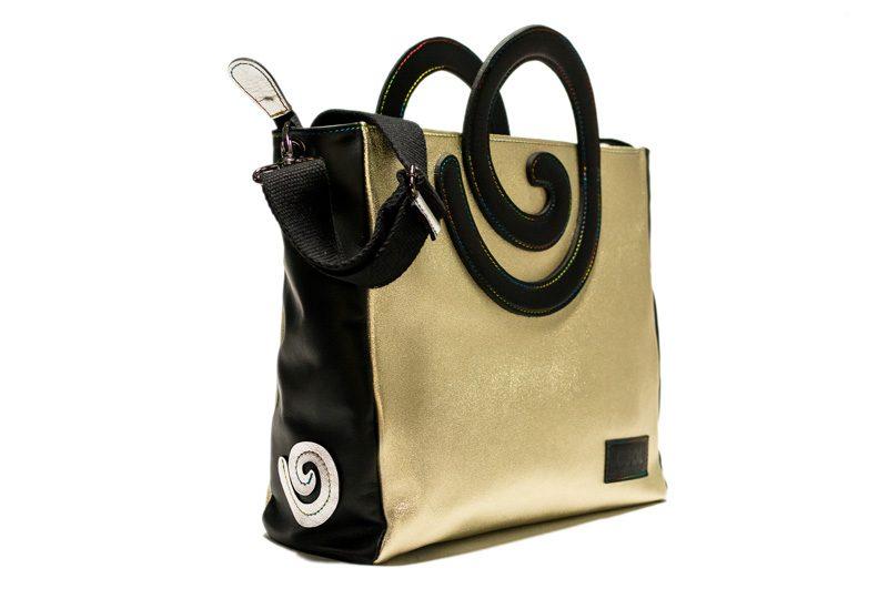 c59d054e8f La collezione di borse artigianali in pelle e vegan | co.COOL